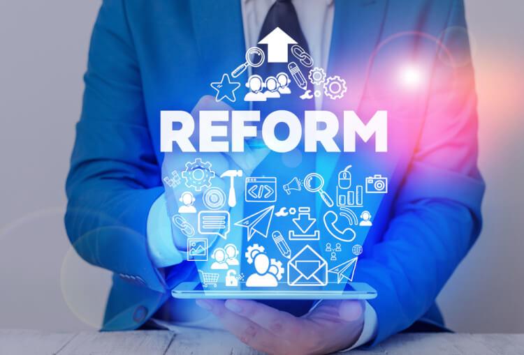 企業が働き方改革を進める上で想定される課題とは?克服のポイントも解説