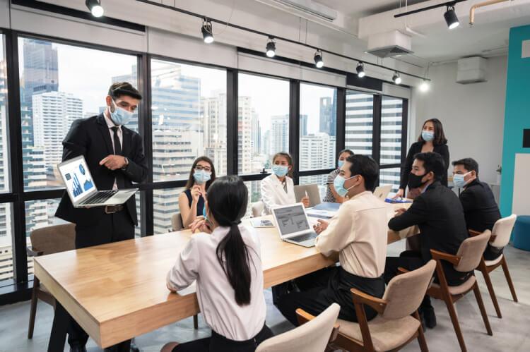 企業における会議の必要性と生産性向上のポイントを解説