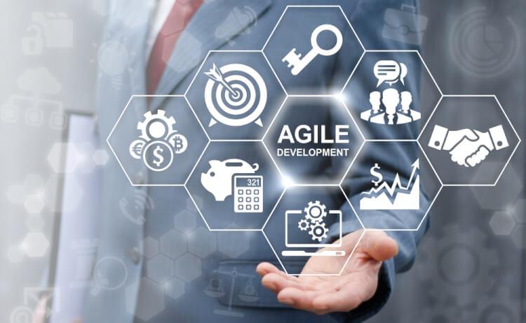 アジャイル開発とは?メリット・デメリットからアジャイル開発の3つの手法までを解説