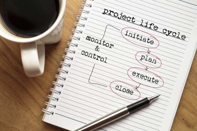 プロジェクトライフサイクルとは?その意味や種類など基本情報について解説
