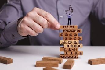 プロジェクトマネージャーの役割、他職種との違いを徹底解説