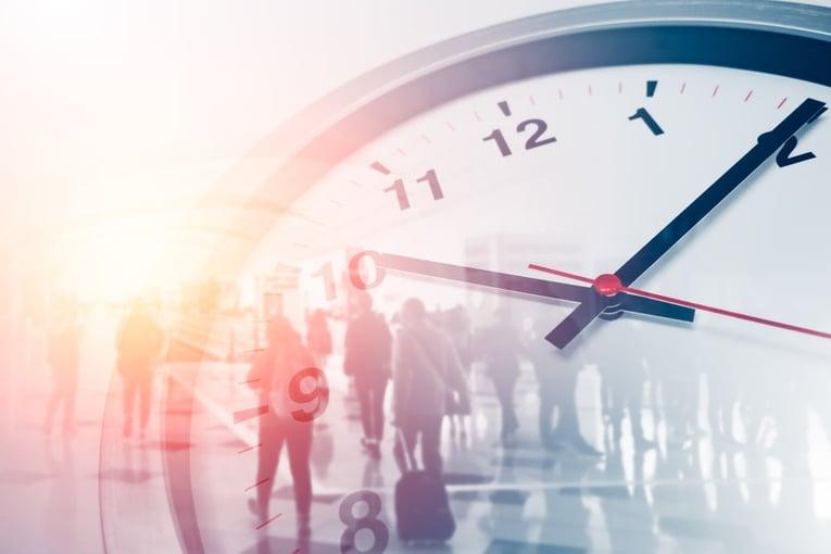 日本の労働時間は世界に比べて長い?労働実態の問題点を解説