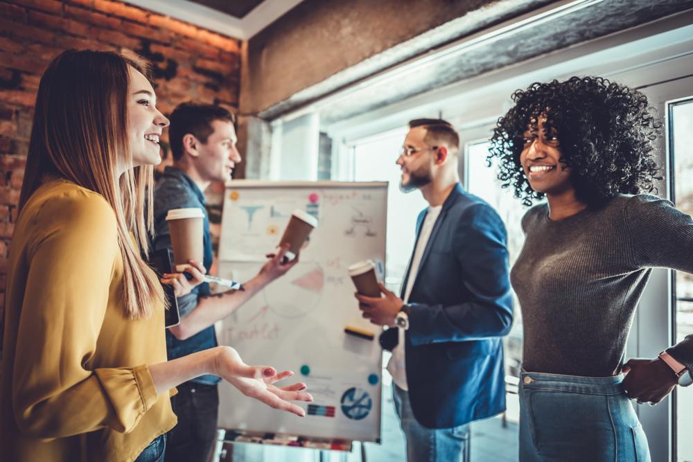 社内コミュニケーションを活性化させるメリットや施策例を紹介