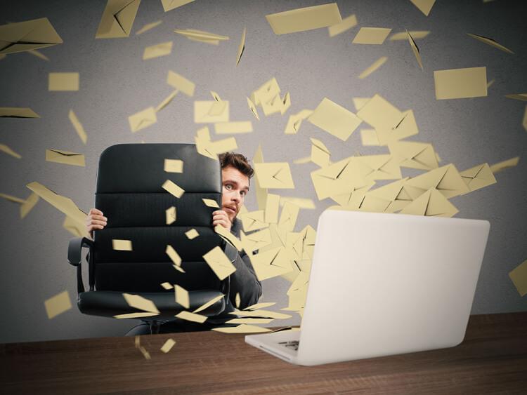 あなたが1日に処理するメールの数は何件ですか