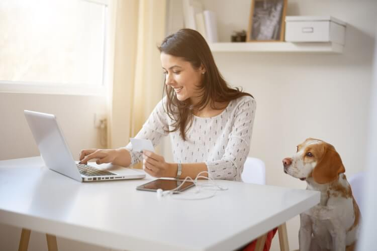 在宅勤務は導入すべき?企業にもたらすメリットとは
